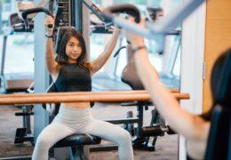 Budowa masy mięśniowej na siłowni – jak się przygotować?