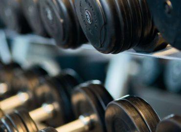 Trening w domu czy na siłowni ?