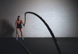 Siłownia vs trenowanie w domu